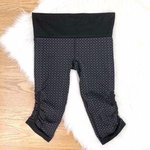 Lululemon Black & Gray Printed Cropped Leggings A
